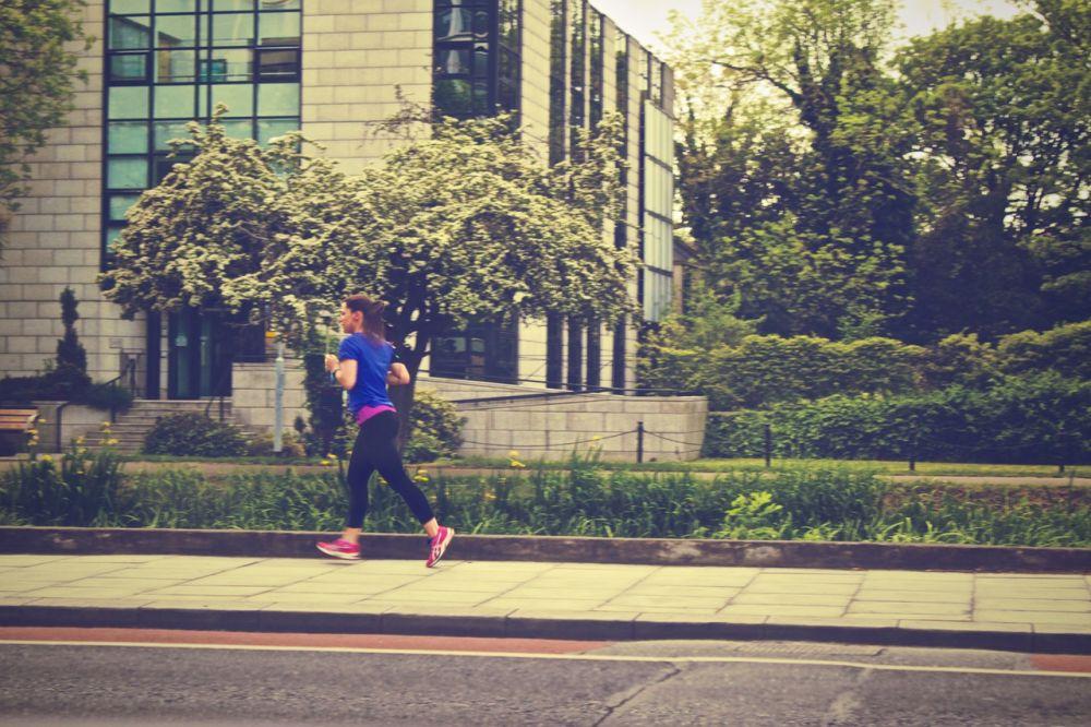 متوسط سرعة الجري العادي او الهرولة